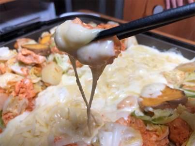 ホームパーティに最適!!キムチで簡単超ズボラ飯『チーズタッカルビ』が最高に美味い!!おい飯も忘れずに!!のイメージ